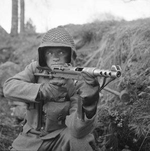 Od Kiruny pod piramidy: pistolet maszynowy Carl Gustaf m/45